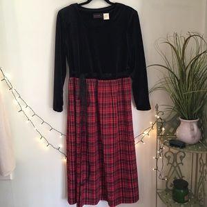 Vintage Black Velvet Red Plaid Fall/ Winter Dress
